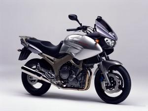 Yamaha TDM900 1600x1200_c117